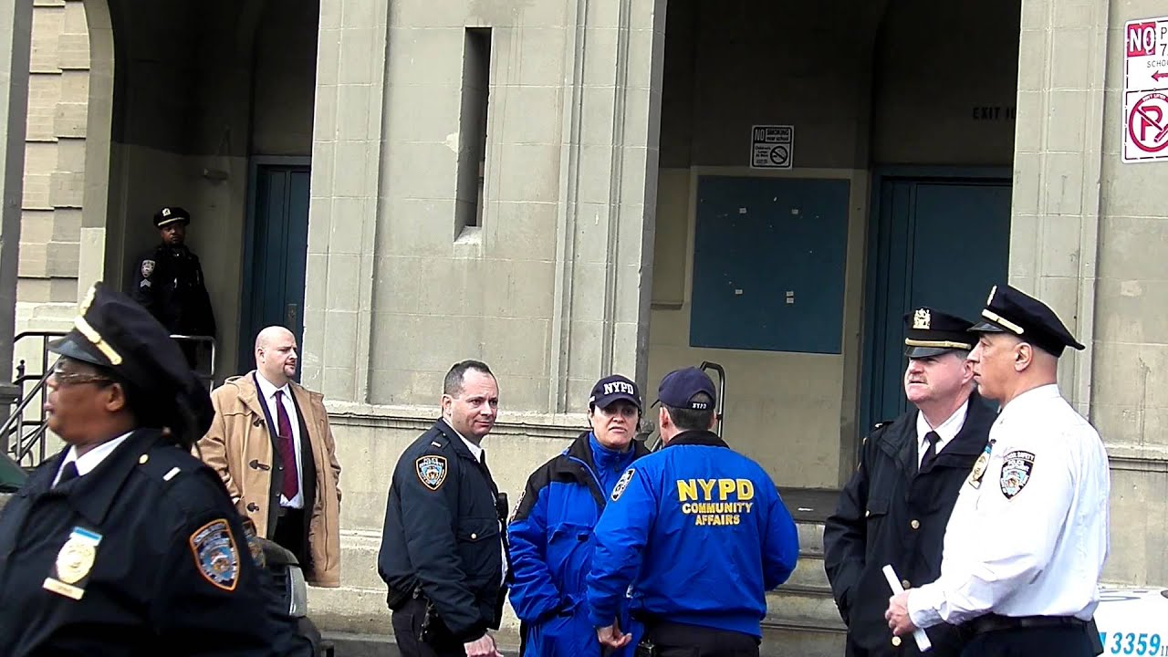 School Safety Officers Amp Nypd Youtube