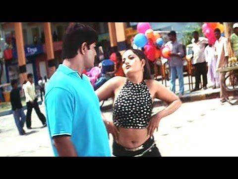 Oka Radha Iddaru Krishnula Pelli Movie || Garam Garam Video Song || Srikanth, Ruthika