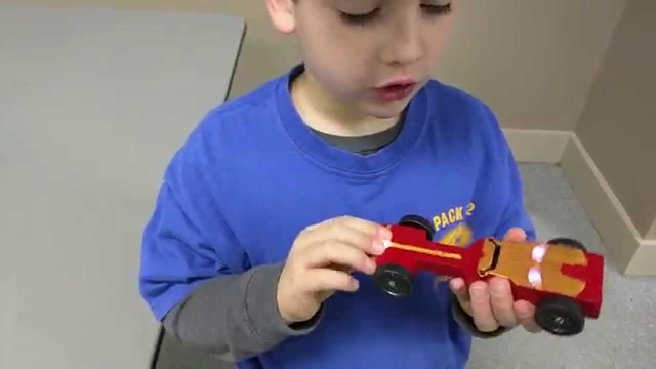 Charlie's Iron Man Pinewood Derby Car - YouTube