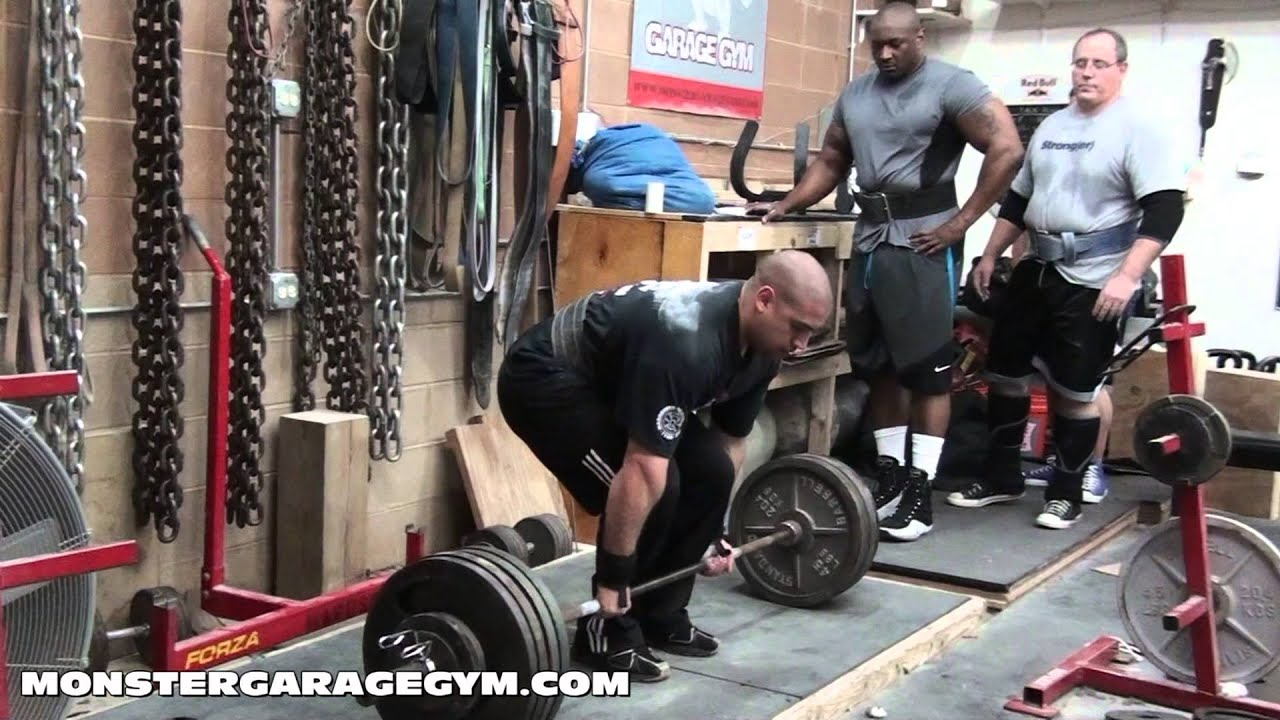 Monster garage gym squat deadlift training session