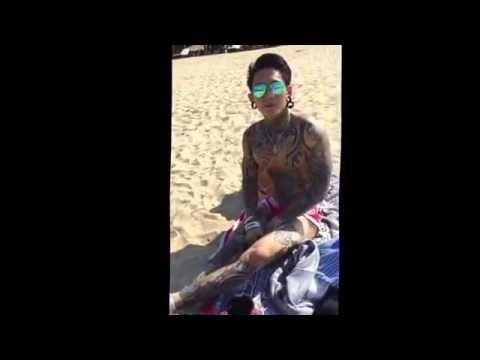 Hot Boy xăm trổ khoe những hình xăm đọc và lạ tại bãi biển nha trang