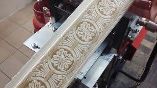 Декоративное тиснение на деревянной вагонке.