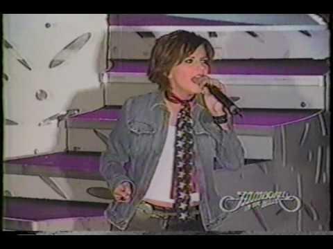 Martina McBride - 02  Wild Angels / My Baby Loves Me - Jamboree In The Hills 2003