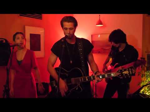 Sunday Morning (cover) - Josiah Hawley's Performance At OL Tokyo!!!