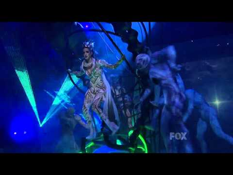 Katy Perry feat Kanye West - E.T. [Live American Idol] HD