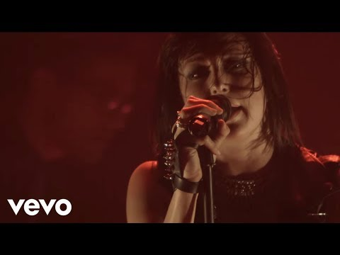 Phantogram - Howlin At The Moon (Vevo LIFT Live)