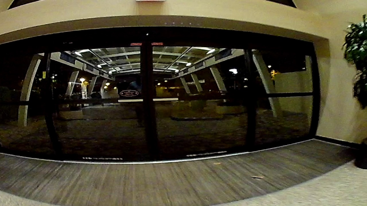 Disney 39 S Contemporary Resort Garden Wing Room Tour And Walk To Lobby 360 Vr Well 180 Vr Youtube