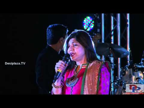Alka Yagnik singing Jo Haal Dil Ka Idhar Ho Raha Hai song at DFWICS Diwali Mela 2015 at Dallas