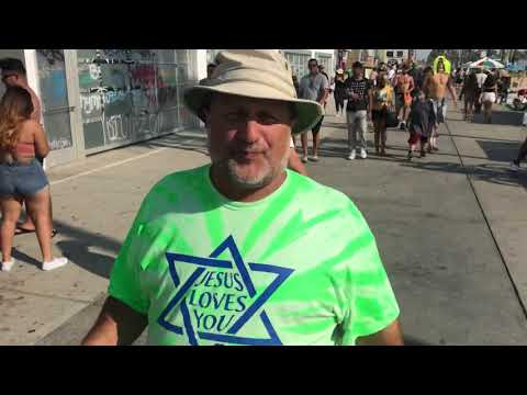 Ministry at Venice Beach California with Cyril Gordon from Jewish Outreach International.