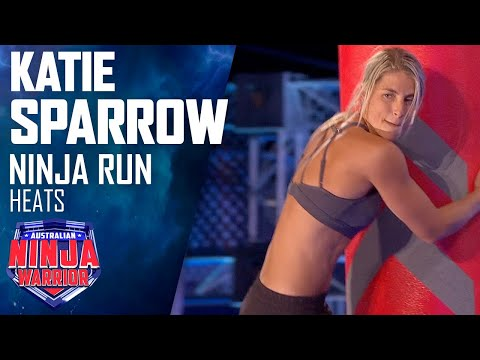 Katie Sparrow gets stuck on the Swing Surfer   Australian Ninja Warrior 2019