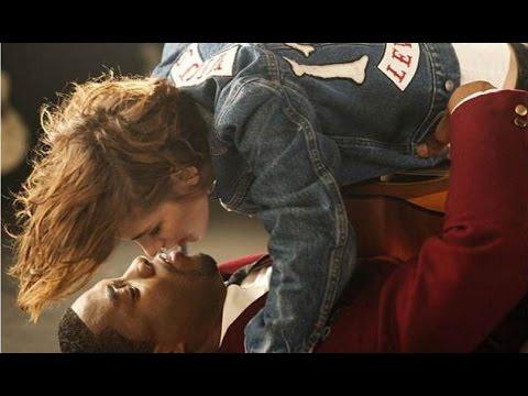 Aksi Liar Kristen Stewart Berciuman Dengan Aktor Kulit Hitam
