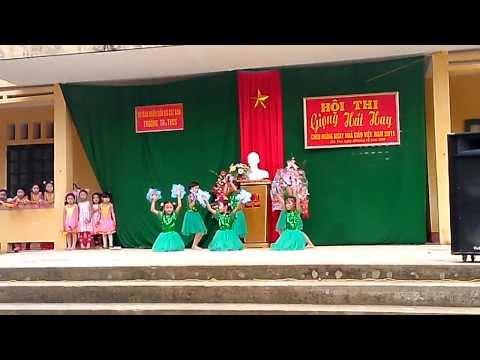 Hát múa Bụi phấn - Cát Vân