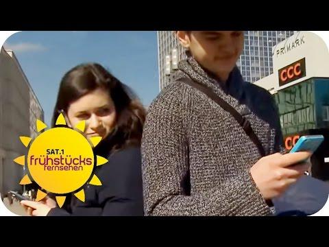 Im Handy schnüffeln- ist das erlaubt? | SAT.1 Frühstücksfernsehen