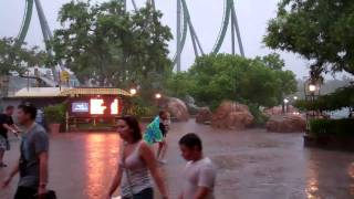 Heavy rain at Islands Of Adventure! Universal Orlando Resort 2011 HD