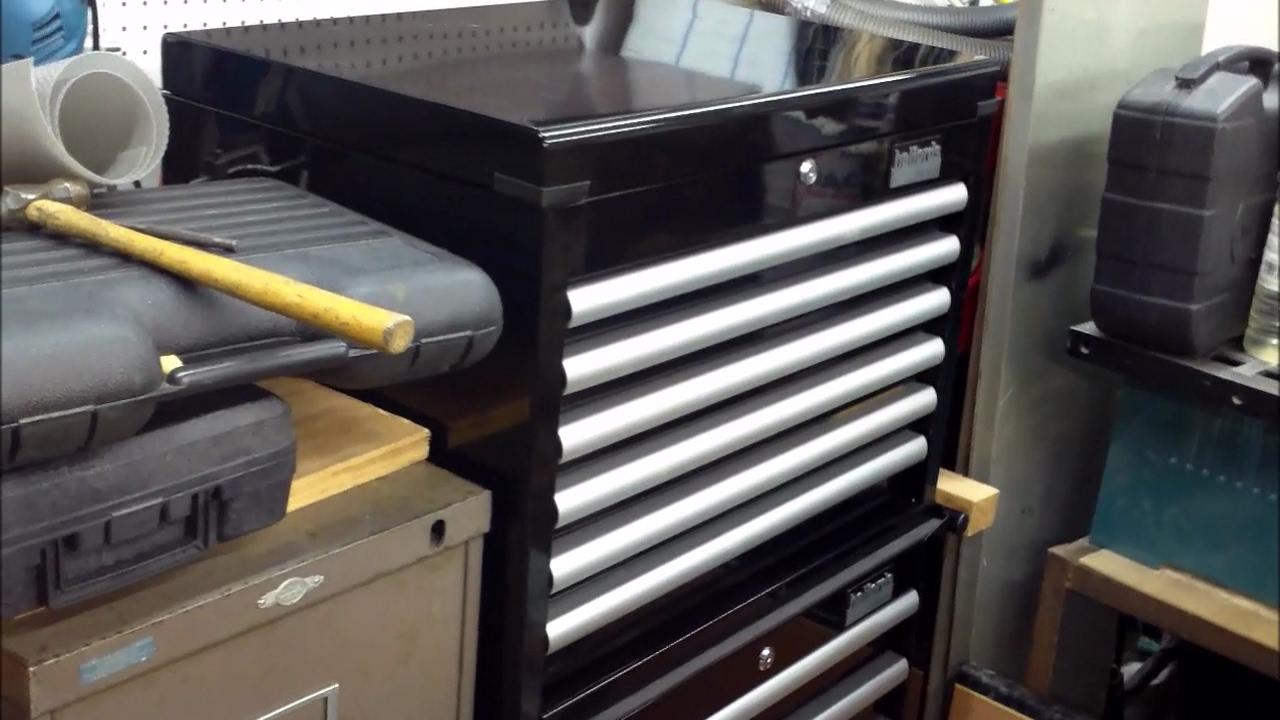 halfords industrial tool cabinet top box lid lock. Black Bedroom Furniture Sets. Home Design Ideas