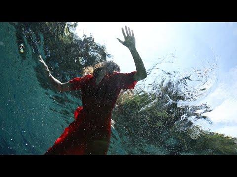 Loli Molina - Si Algo Se Pierde En Ese Movimiento (Video Oficial)