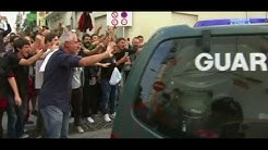 Katalonien: Unabhängigkeitsbefürworter vertreiben spanische Polizisten