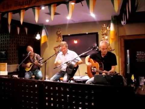 Irlandzka muzyka na żywo w The Danny Mann Irish Music Pub w Killarney (Irland) - MOLLY MAGUIRES