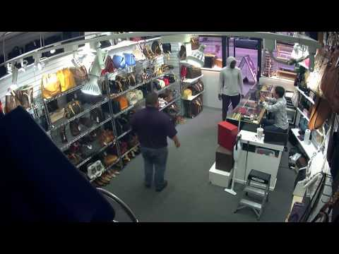 Guy stealing Louis Vuitton Bag quickly caught on camera - CH03