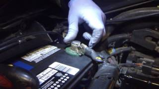 Video How to fix loose battery terminal clamp! download MP3, 3GP, MP4, WEBM, AVI, FLV Juli 2018