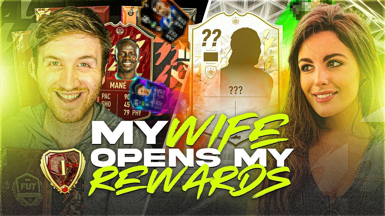 Download My Wife Opens my Rank 1 FUT Champions Rewards..