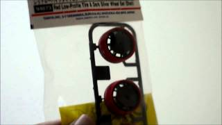 Tamiya Red Low-Profile Tire & Dark Silver Wheel Set ( trim  )