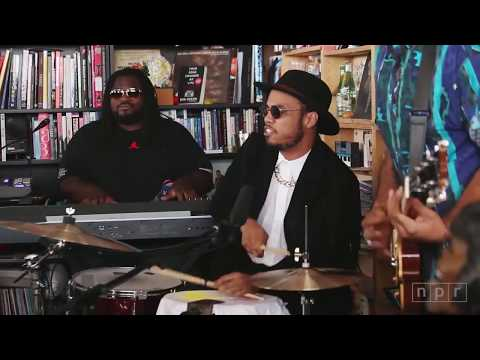 Anderson Paak-  Come Down (live)