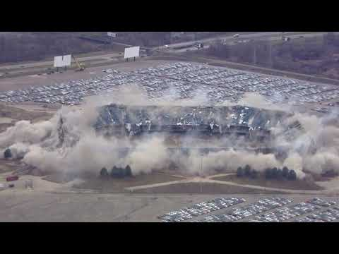 Watch as crews successfully implode the Pontiac Silverdome
