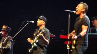 Bruce Springsteen - Trapped - Hunter Valley 22 February 2014