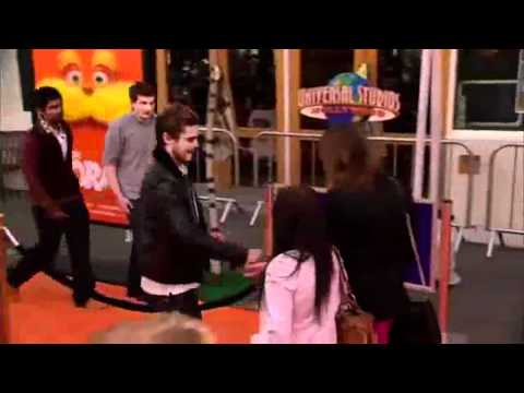"""Scotty Davis - Zac Efron Plays Cool After Dropping Condom On """"Lorax"""" Red Carpet"""