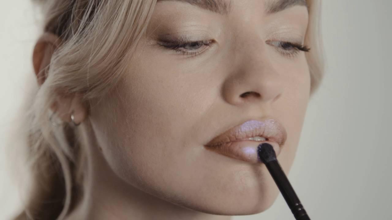 Lip Slay Red Lip Set by Illamasqua #9
