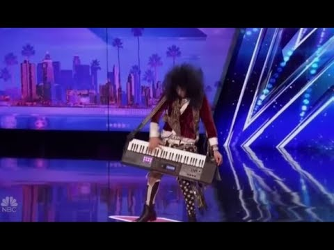 JJ Phillips: Funny Rock n' Roller SHREDS his Keyboard on Stage | America's Got Talent 2017