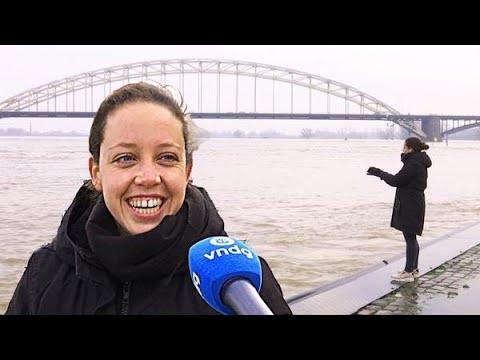 Hoogwater-toeristen smullen in Nijmegen