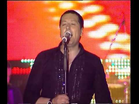 Aco Pejovic - Malo je - (Live) - (Koncert Zivota - Skenderija 19.05.2011.)