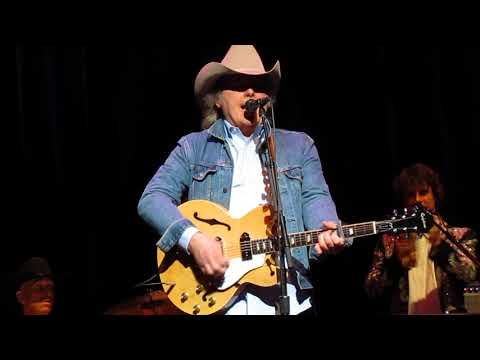 Dwight Yoakam dances and goes COW PUNK with his kickass band!