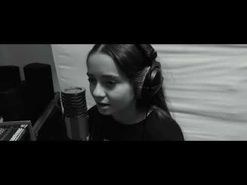 Amy Rigney   - Hallelujah