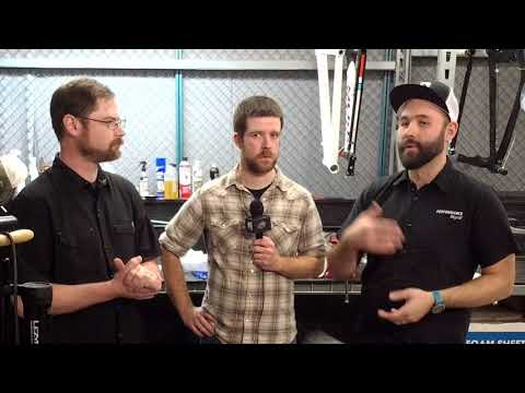 Today on Bike Scoop we are demystifying tubeless tires.