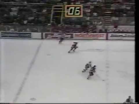 Dirk Graham Buzzer-Beater for Blackhawks Win over Detroit (Jan. 21, 1989)