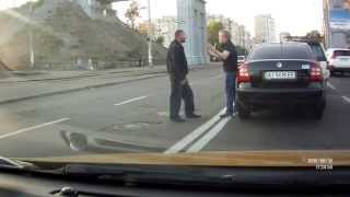 Разборки на дорогах. Киев(, 2015-09-20T10:10:03.000Z)