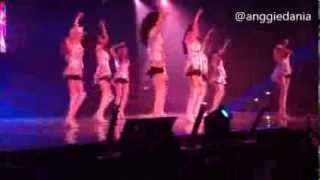 130914 fancam gg tour ina 2013 genie indonesia put it back on