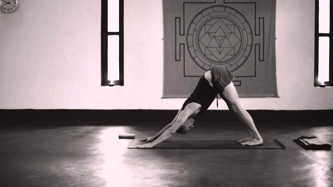 Ashtanga Yoga Third Series Demonstration - Tim Feldmann (2/6)