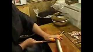 Разделка рыбы. Япония. Разделка угря на сашими
