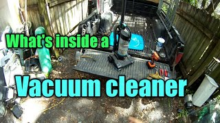 What's inside a vacuum cleaner