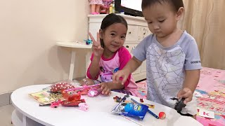 Bahagianya Zara dan Kenzo buka Fanmail dari Jawa Tengah   Isinya ada 30 macam