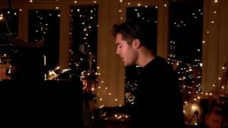 Смотреть клип Benjamin Ingrosso - Home For Christmas