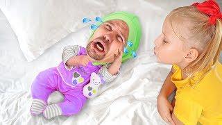 Алиса как няня для папы малыша