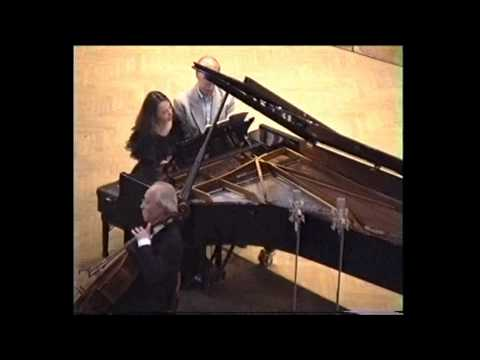 Brahms Trio op. 114 in A minor - 1st mvt - Bashmet, Berlinsky, Berlinskaia