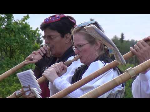 """Alpių ragų ansamblio """"Alphorn rauschhorn"""" iš Šveicarijos"""