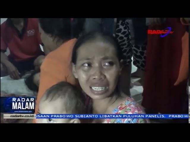 Banjir Bandang Di Kota Bandar Lampung Warga Bertahan di atap Rumah