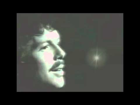 Scott McKenzie tot death San Francisco (Be Sure to Wear Flowers in Your Hair - songs  wo-tv.eu